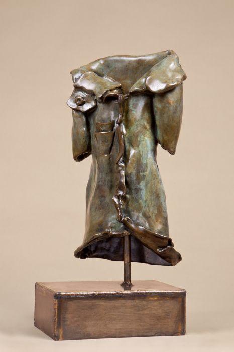 מעיל - אניטה בירקנפלד - פסלת