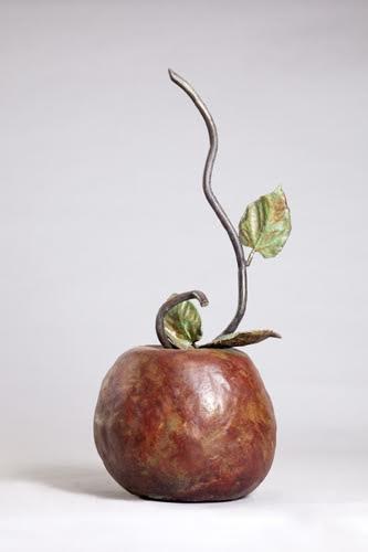 תפוח גדול - אניטה בירקנפלד - פסלת