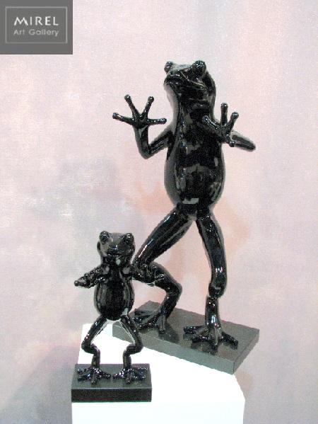 פסלון צפרדע שחור