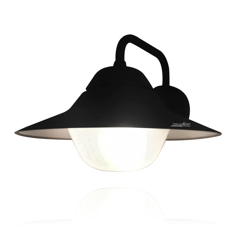 מנורת קיר מברזל שחור לתאורת חוץ
