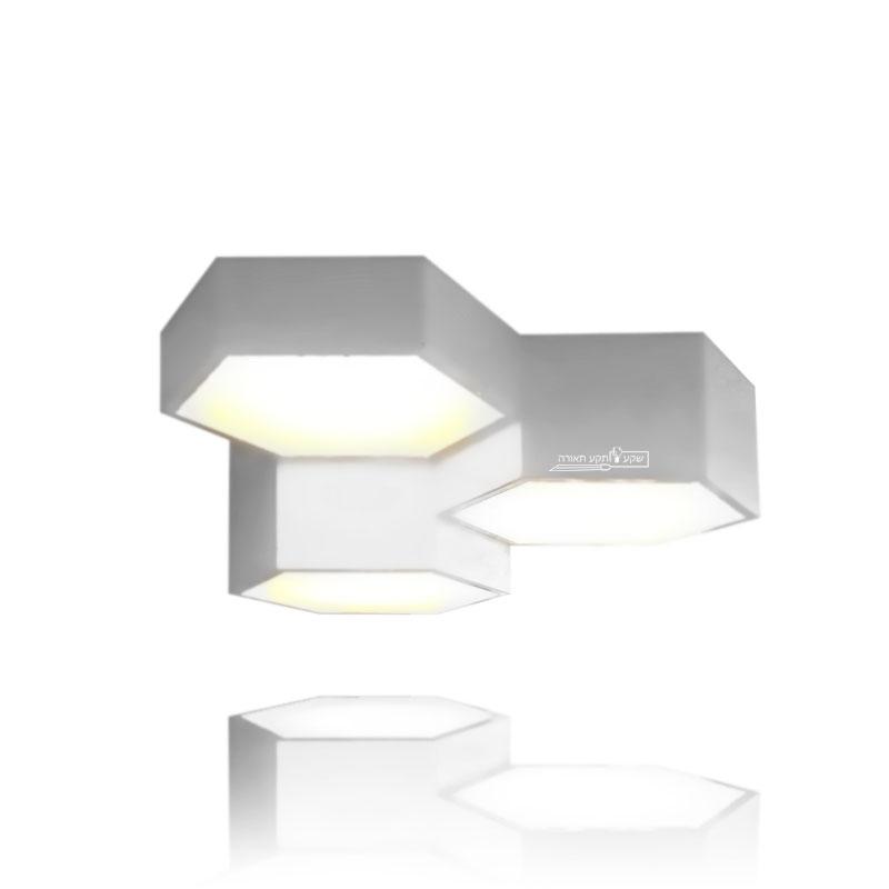 גוף תאורה צמוד לתקרה בצורת משושה