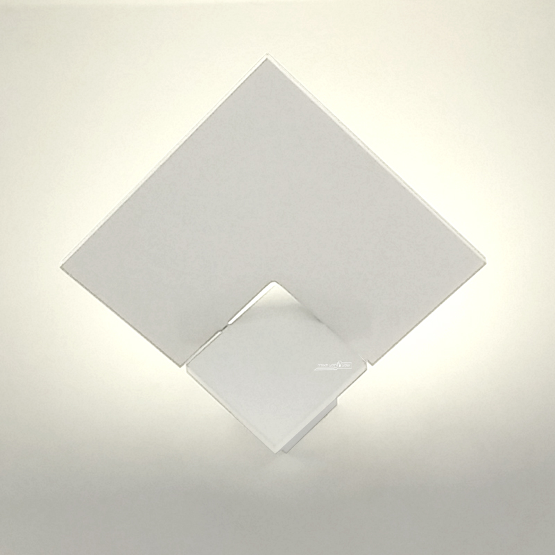 תאורה גיאומטרית מעוצבת לבית