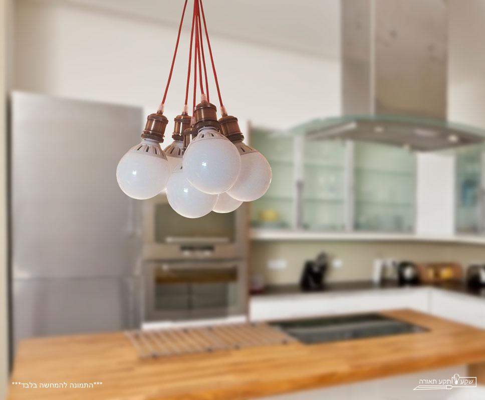 מנורת סטייל שישייה בית מנורה ברונזה שרוך אדום