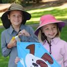 כובע ילדים עם כסוי עורף - SUNDAY AFTERNOONS - Kids' Play Hat